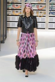 elle-pfw-ss17-collections-chanel-45-imaxtree