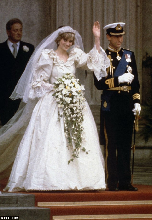 0000D1A200000CB2-3714574-Of_Princess_Diana_s_dress_he_said_She_was_simply_young_and_fresh-a-6_1470038856220