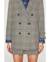 https://www.zara.com/us/en/trf/new-in/houndstooth-blazer-c840006p4894550.html
